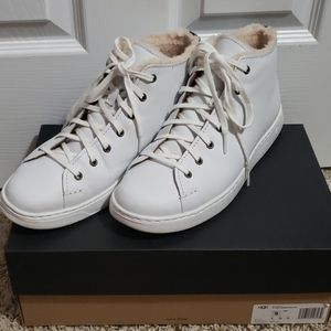 Mens Ugg High Top Pismo Sneaker size 9 White